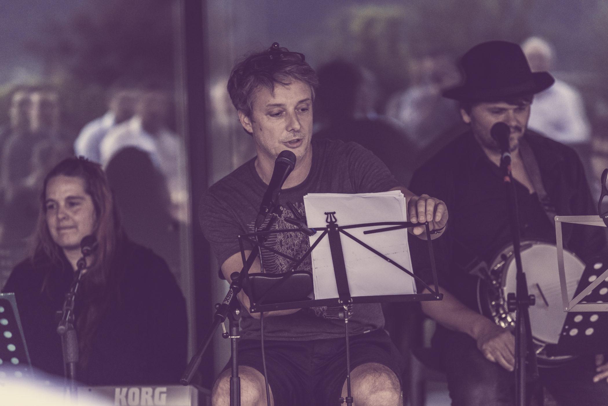 DSC 6669 scaled - Ötzi Live performance