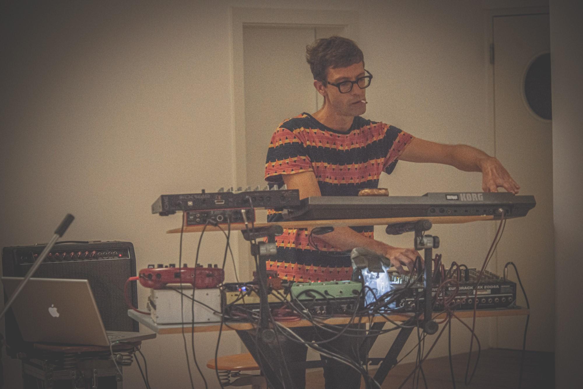 DSC 8671 - Loft and music