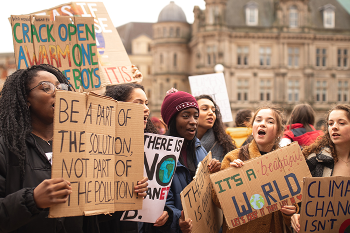 photography trends people protesting about climate change - 20 tendenze fotografiche top di cui essere a conoscenza nel 2020 blog