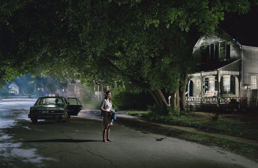 gregory crewdson 2003 2005 untitled maple street web - I fotografi più famosi al mondo: lista aggiornata al 2021  blog