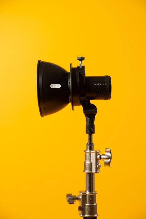 studio photography reflector - Fotografia in studio per principianti (tutto ciò che devi sapere!)  blog