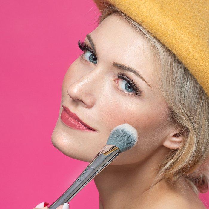 studio photography beauty shot - Fotografia in studio per principianti (tutto ciò che devi sapere!)  blog