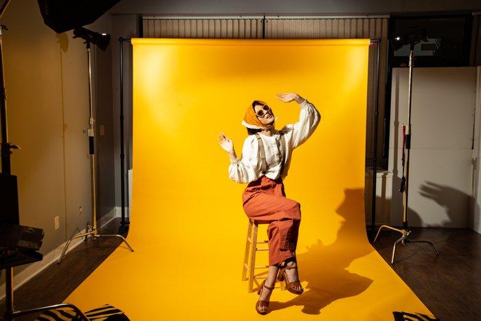 studio photography large studio - Fotografia in studio per principianti (tutto ciò che devi sapere!)  blog