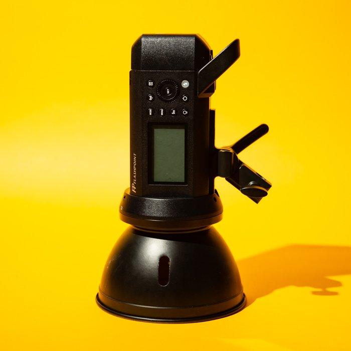 studio photography monolight - Fotografia in studio per principianti (tutto ciò che devi sapere!)  blog