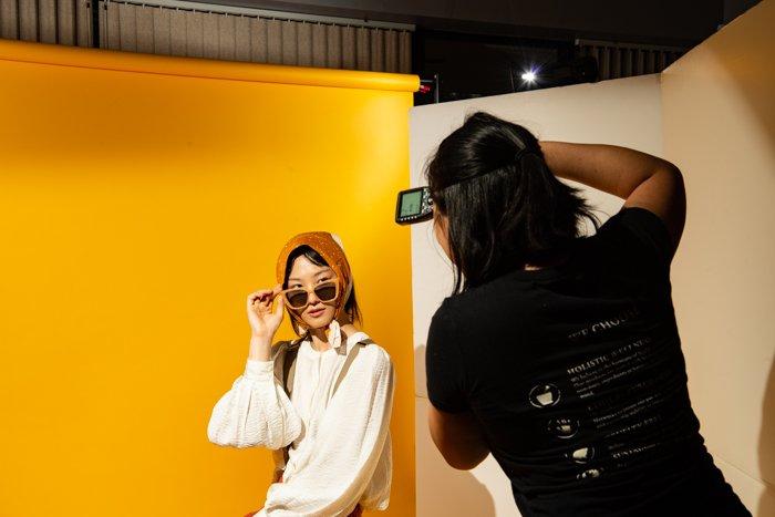 studio photography photo session - Fotografia in studio per principianti (tutto ciò che devi sapere!)  blog
