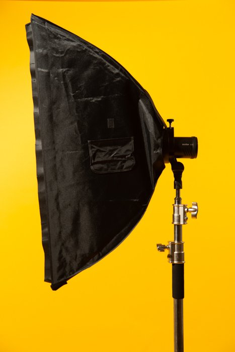 studio photography stripbox - Fotografia in studio per principianti (tutto ciò che devi sapere!)  blog